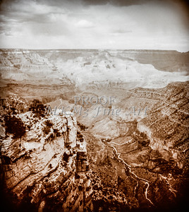 1008.240 Grand Canyon In Antique B&W
