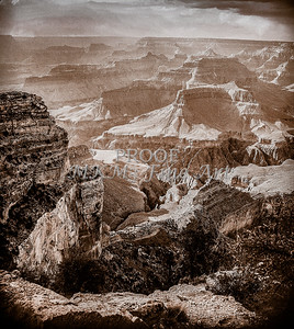 1008.244 Grand Canyon In Antique B&W
