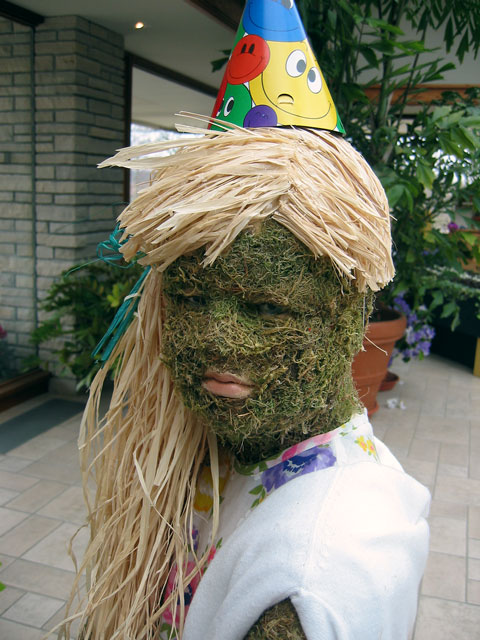 Moss girl -<br /> at one of the Moss family exhibits (which may be an annual exhibit now).