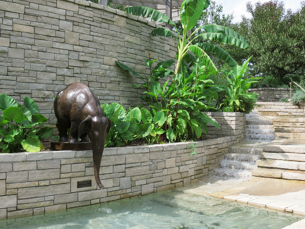 Small ElephantFountain
