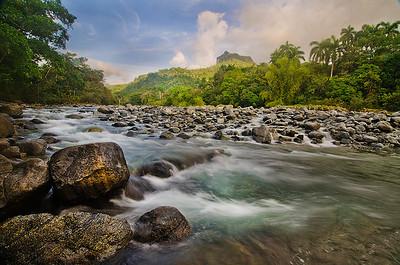 Rio Toaba con el Yunque