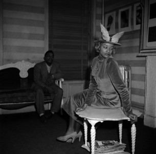 USA. New York. Harlem. Charlotte Stribling aka 'Fabulous' poses in Harlem-made clothes in a nightclub.