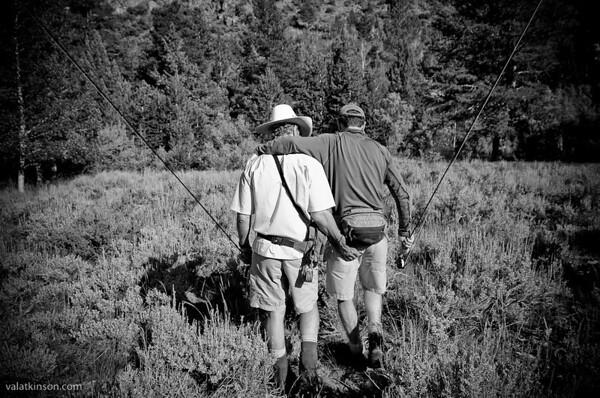 2 good friends go fishing