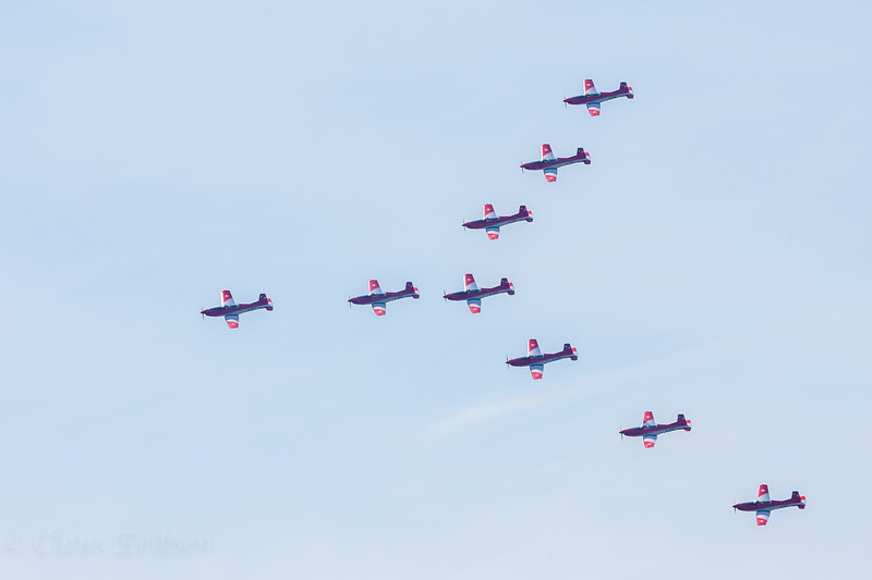 PC-7 Team arrow formation