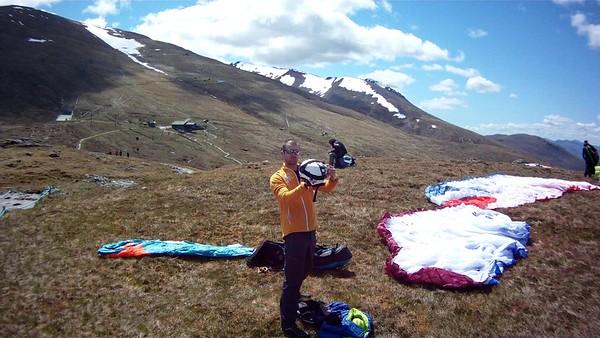 Aonach Mor  take off - Krystof setting up his camera