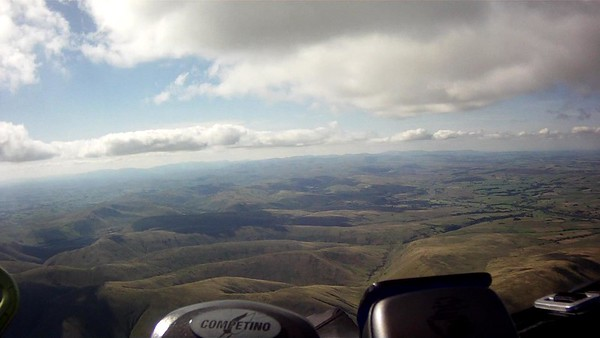Heading more towards Tebay ..... but really just following the working clouds. Convergence line towards Lakes.