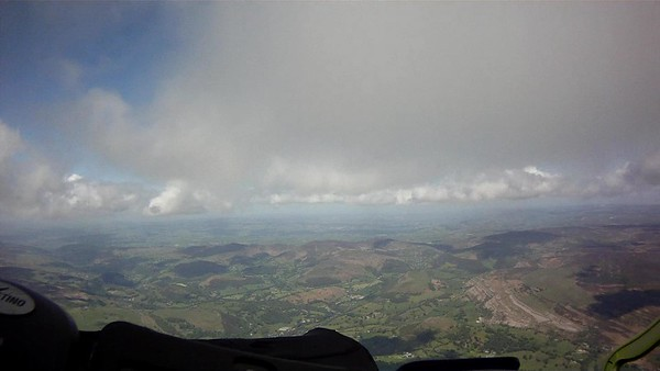 Climbing out from Llangollen - single beat and straight to base