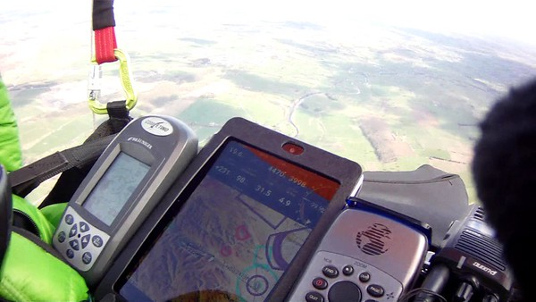 Checking airspace and best route towards goal