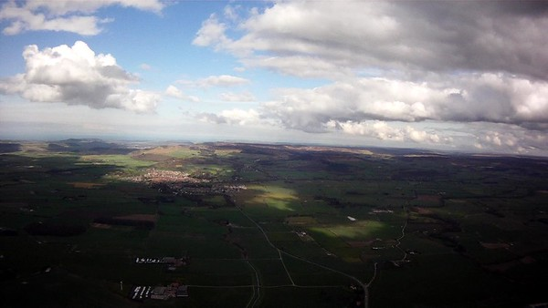 Good glide in with 1000' to spare. Light lift over Great Ayton may have made Guisbrough OK