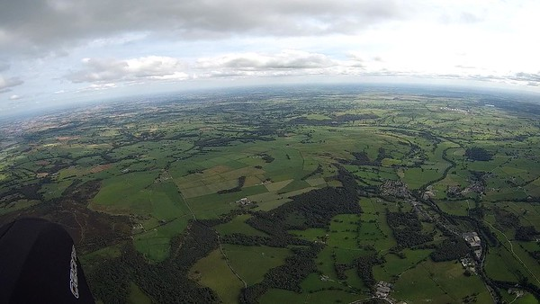 Looking towards Harrogate. Sun strength has gone and clouds a bit thin and climbs weak.