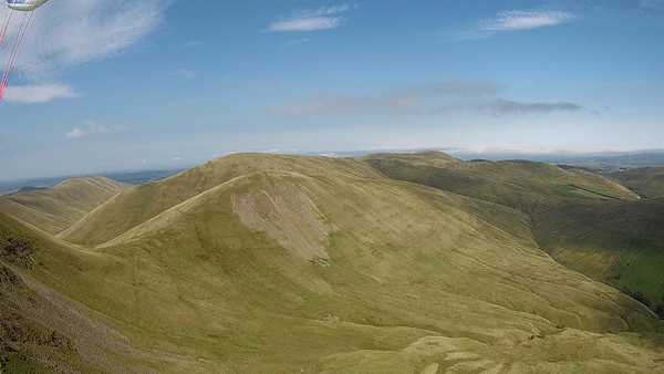 Heading towards Kensgriff (with the screes); Randygill Top behind.