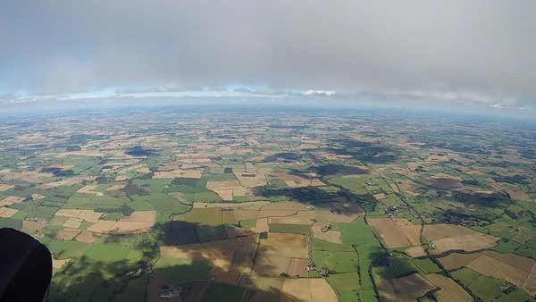 Great cloud markers, but only a narrow line across and  going very close to the Leeming ATZ