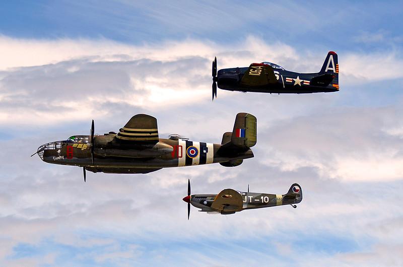 3543 Hetitage Fight B25 Spitfire Bearcat