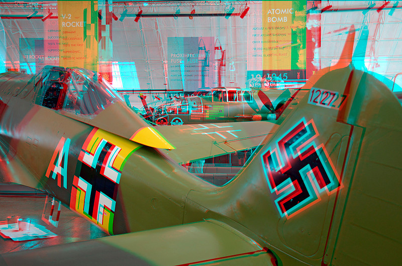 5906 Focke-Wolf Fw 190 A-5 and North American B-25J Mitchell Anaglyph