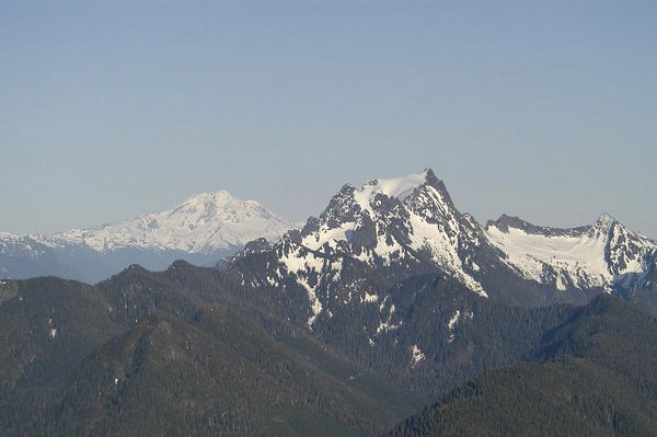 Whitehorse Mountain and Glacier Peak in the background.