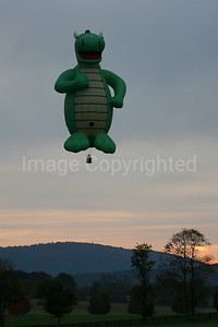 Serpent Balloon in Morning - 10/28/06