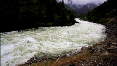 7 Wenatchee River roars along by the road