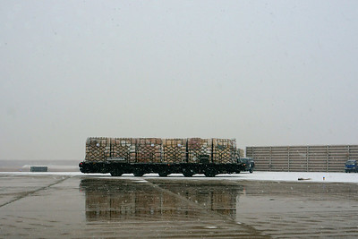 Air Force cargo loading vehicle