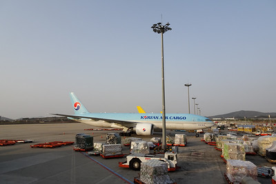 KAL B777F, Incheon