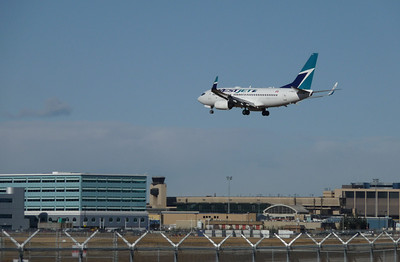 WestJet B737, Calgary