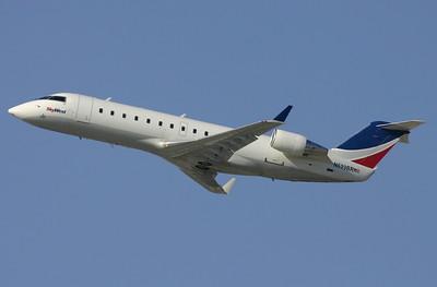SkyWest - CRJ 200 N699BR