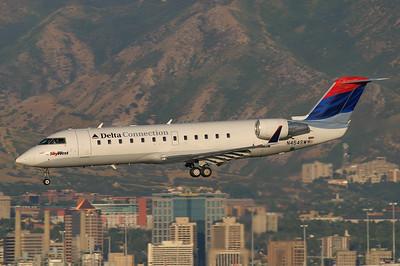 SkyWest - Delta Connection CRJ 200 N454SW