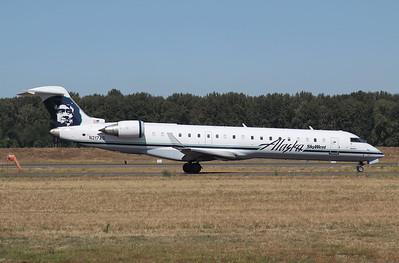 SkyWest - Alaska CRJ 700 N217AG