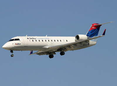SkyWest - Delta Connection CRJ 200 N869SW