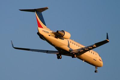 SkyWest - CRJ 200 N698BR
