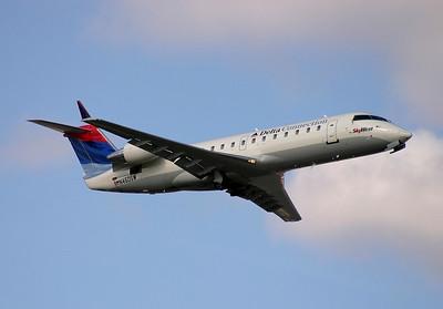 SkyWest - Delta Connection CRJ 200 N460SW