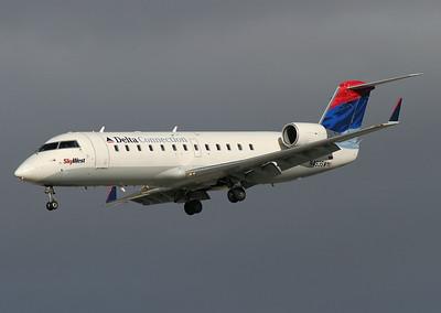 SkyWest - Delta Connection CRJ 200 N493SW