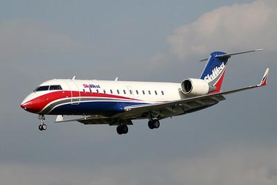 SkyWest - CRJ 200 N413SW