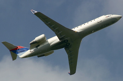 SkyWest - Delta Connection CRJ 200 N430 SW