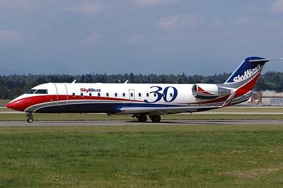 SkyWest - CRJ 200 N443SW