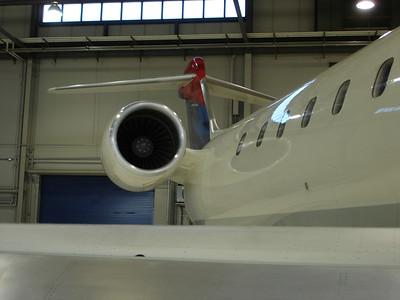 CRJ 900, SkyWest SLC Hangar