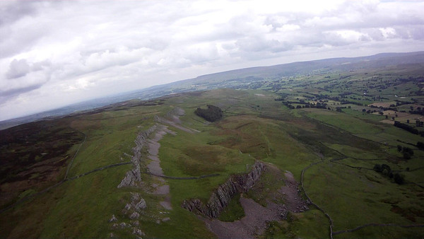 South from Nappa along shallow edges to final cliffs (Ivy Scar) - possible rotor effects (2k distance away) and Caperby 2k beyond around corner. Good pub in village.