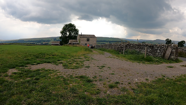 Made it to Caperby TP but the sky was now quite threatening and the climbs strong in parts so mostly pulled out of anything threatening. Headed back west and landed by Askrigg for the cafe and bus. Landed here and met a nice, chatty women and child. Then it started to rain quite heavily.!