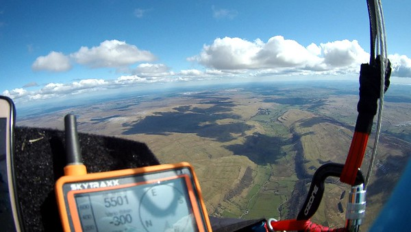 Heading SE on glide - heavy sink between climbs. Approaching Buckden Pike - Gt Whernside ahead with white dusting.