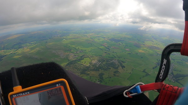 Back to base aboveCrummackdale. Still a northerly at height.