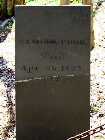 Fogg Cemetery near Atlantic Avenue in North Hampton, New Hampshire