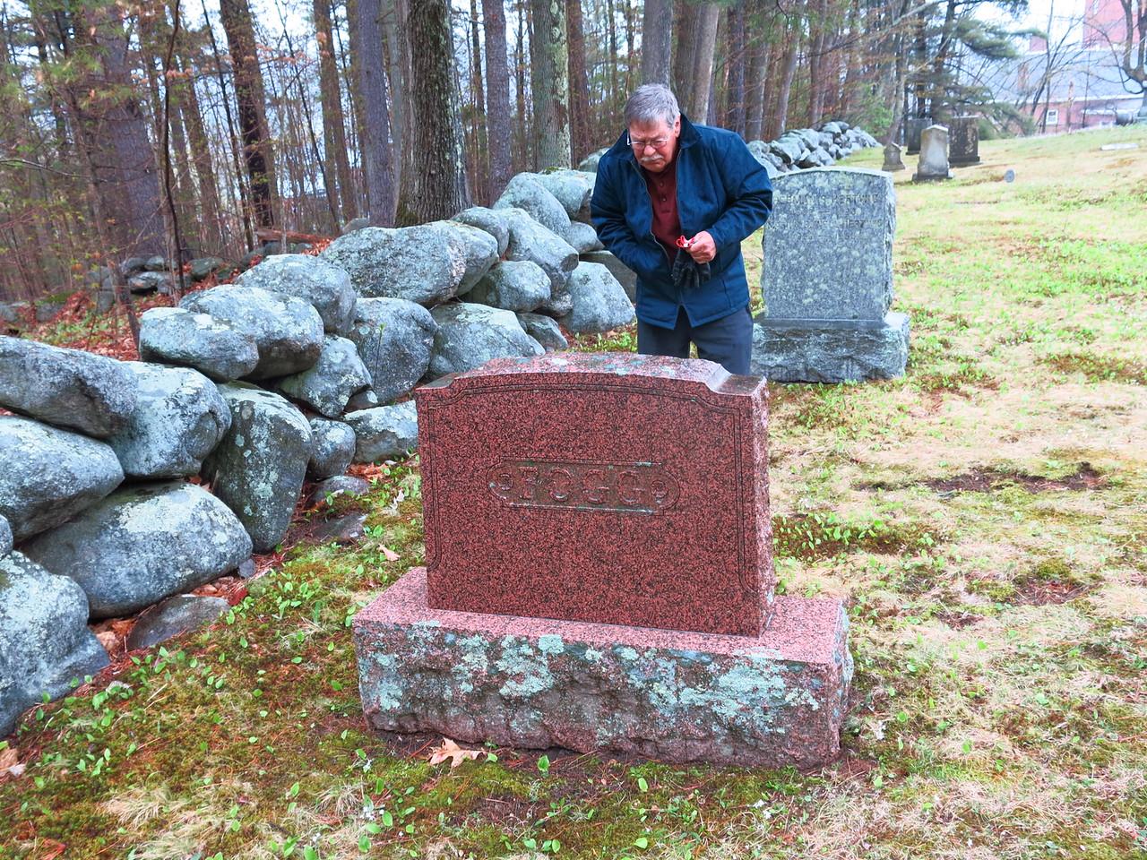 Willis reading the headstone