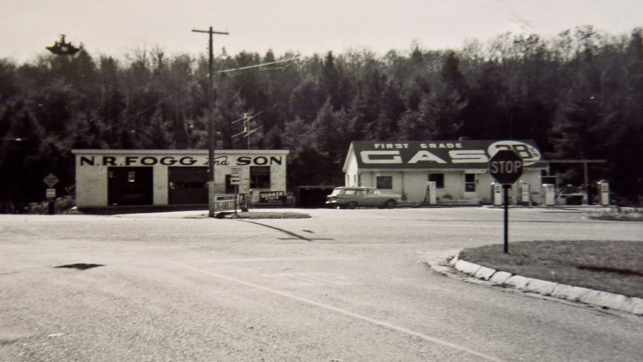 Gas station at Rindge, New Hampshire