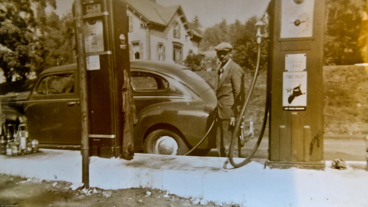 Grampie Newell Fogg at work in Ashburnham