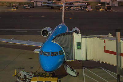 KLM Cityhopper Fokker F70 PH-KZU 10-28-17 6