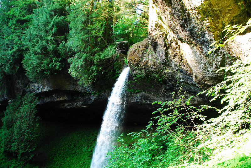 North Falls, 136 ft.