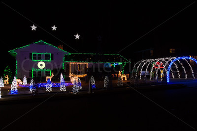 Magical Christmas lights display and music