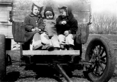 Arlene, Janice and Ida at Kraus Farm 1946