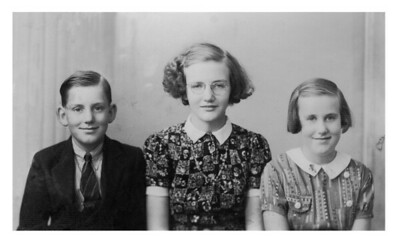 Olive, Clarence and Agnes Een.