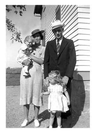 Esther, Tom, Ilah, Sharon McCready, 1940