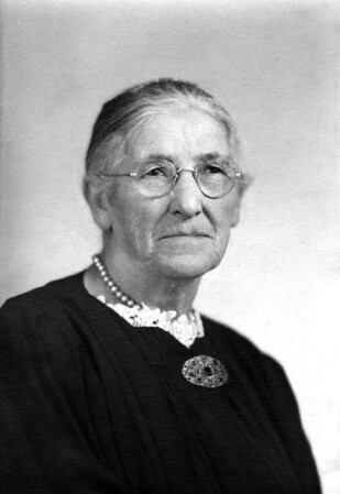 Grandma Oline Storvald Hopland-1.